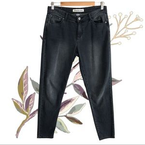 COUNTRY ROAD Black/Grey Mom Jeans